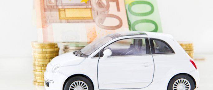 Den Führerschein finanzieren | © panthermedia.net /Jürgen Fälchle
