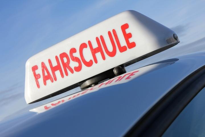 Fahren lernen mit der Fahrschule | © panthermedia.net /Bjoern Wylezich