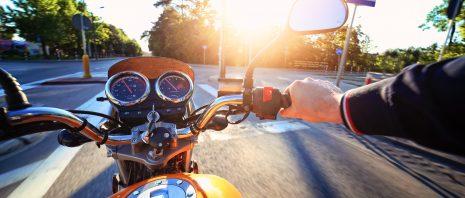 Motorrad fahren mit dem PKW-Führerschein: Seit 2020 ist das möglich